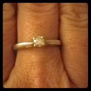 Platinaire diamond ring